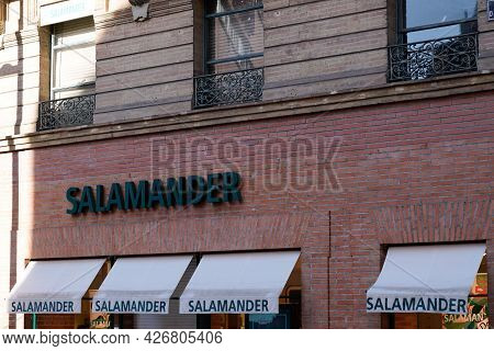 Toulouse , Occitanie France  - 06 25 2021 : Salamander Logo Brand And Text Store Sign On Facade Shop