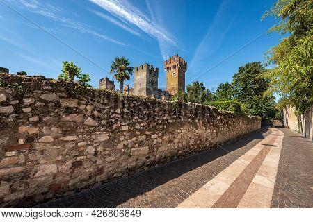 Medieval Castle Of Lazise (ix-xiv Century), Tourist Resort On The Coast Of Lake Garda (lago Di Garda