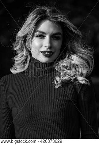 Autumn Beauty. Haidresser And Makeup. Fall Fashion Season. Girl Long Blond Hair. Girl Red Lipstick I