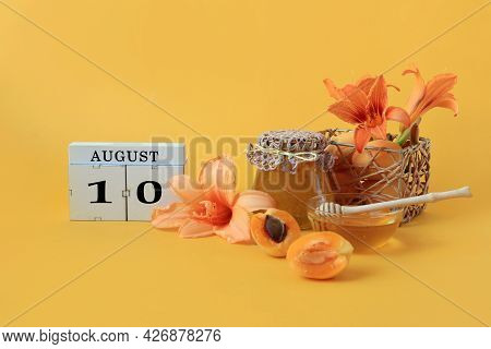 Calendar For August 10 : The Name Of The Month Of August In English, Cubes With The Number 10, Honey
