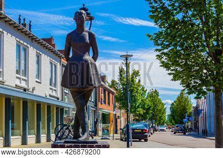 Het Dansersje, Dancing Girl, Well Known City Monument, Raadhuisplein, Oostburg, Zeeland, The Netherl