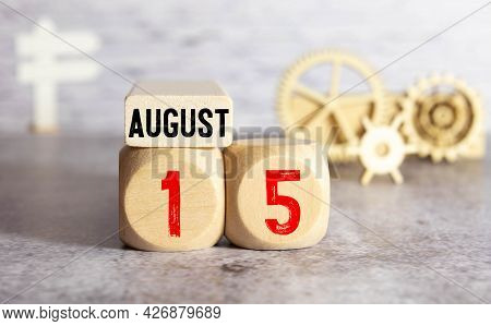 Vintage Photo, August 15Th. Date Of 15 August On Wooden Cube Calendar, Copy Space For Text On Board