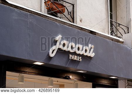Toulouse , Occitanie France  - 06 25 2021 : Jacadi Paris Text Logo And Brand Sign Of Clothing Shop F