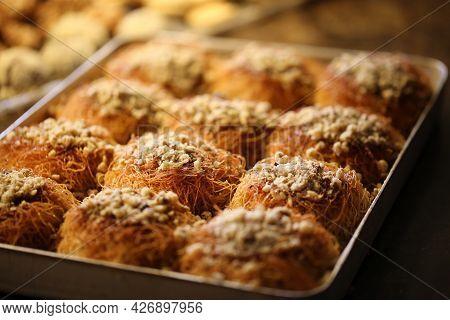 Walnut Top Flour, Bakery Products, Bakery And Bakery