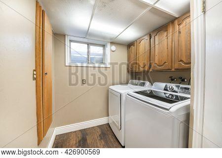 Laundry Room Interior Craftsmans Design And Window