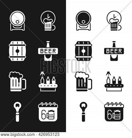 Set Beer Bottle, Wooden Barrel, On Rack, Happy Hour, Beer Mug, Conveyor Band, , Saint Patricks Day C