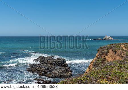 San Simeon, Ca, Usa - June 8, 2021: Pacific Ocean Coastline North Of Town. Point Piedras Blancas Wit