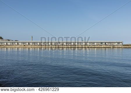 Provincetown, Usa - September 24, 2020: Empty Apartments Due To Corona Pandemie At The Beautiful Bea