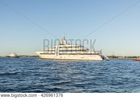 Newport, Usa - September 23, 2017:  Motor Yacht Vibrant Curiosity Of The German Owner Reinhold Wuert