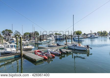 Barnstable, Usa - Sep 24, 2017: Modern Yachts  At The Pier In Barnstable Harbor. Lobster Fishing Was