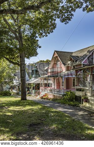 Martha's Vineyard, Ma, Usa - Sep 26, 2017: Carpenter Gothic Cottages With Victorian Style, Gingerbre