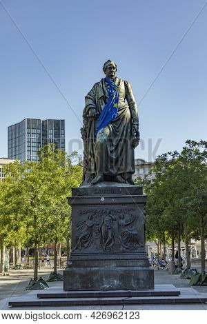 Frankfurt, Germany - June 13, 2021: Statue Of Johann Wolfgang Von Goethe In Frankfurt Am Main With F