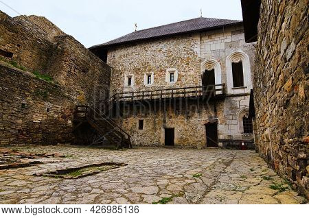 Khotyn, Ukraine-may 14, 2021:magnificent View Of Courtyard With Ancient Stone Building In The Mediev