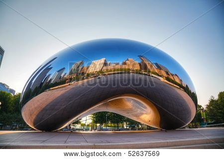 Cloud Gate Sculpture In Millenium Park