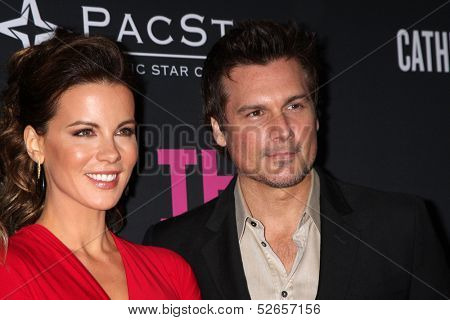 LOS ANGELES - OCT 19:  Kate Beckinsale, Len Wiseman at the 2013 Pink Party at Hanger 8 on October 19, 2013 in Santa Monica, CA
