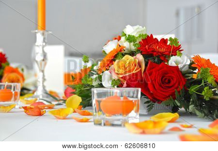 Wedding table flower decoration