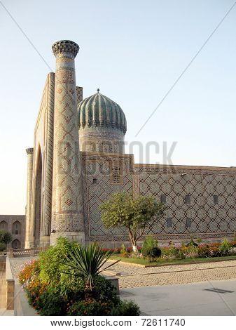 Samarkand Registan The Sher-dor Madrasah At Sunset 2007