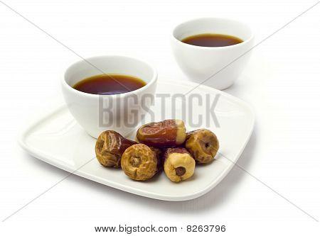 Arabic dates with black tea