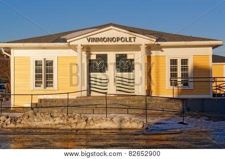Yellow Liquor Store Vinmonopolet