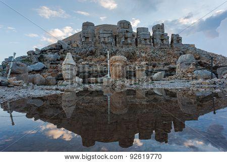 Stone Head Statues At Nemrut Mountain In Turkey