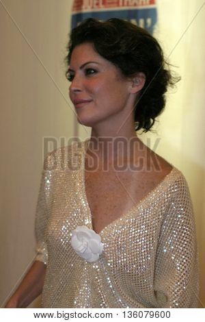 Lara Flynn Boyle at the Celebrity Gala Opening For National Tour Of Movin' Out held at the Pantages Theatre, in Hollywood, USA on September 17, 2004.
