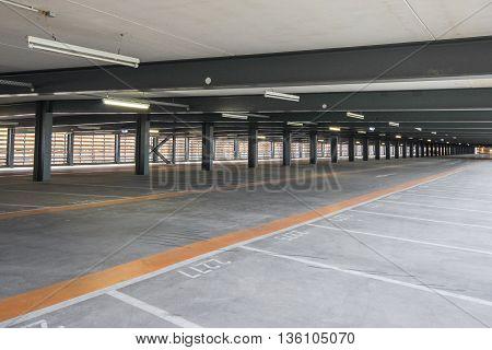 Empty Parking Deck , Park Lot