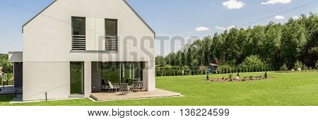 Idyllic House In The Country For A Modern Family