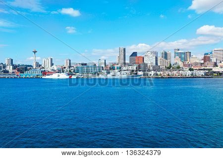 Seattle, Wa - March 23, 2011: Seattle Waterfront Near Aquarium With Marina And Boats.