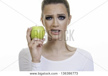 girl with braces close up and food can and cant eat
