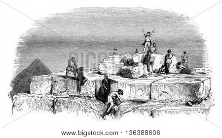Platform of the Great Pyramid, the Cheops, vintage engraved illustration. Magasin Pittoresque 1843.