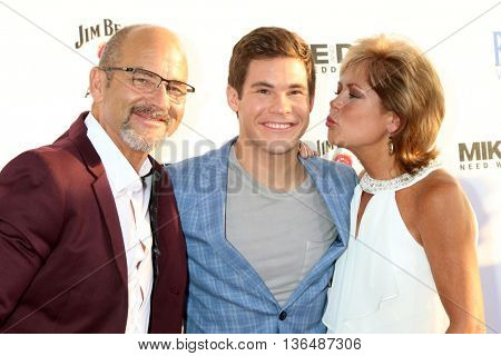 LOS ANGELES - JUN 29:  Dennis DeVine, Adam Devine, Penny DeVine at the Mike And Dave Need Wedding Dates Premiere at the Cinerama Dome at ArcLight Hollywood on June 29, 2016 in Los Angeles, CA