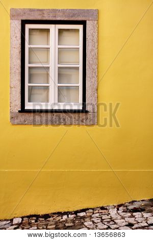 Simple view of a window in Lisbon, Sintra