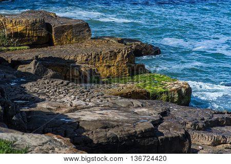 Costa y Rocas sobre el Oceano Atlantico