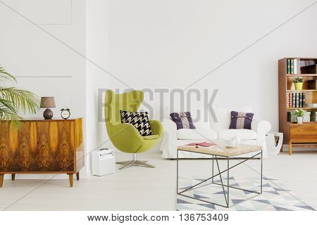 Mix Of Styles And Colours In A Contemporary Interior