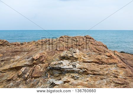 Tranquil scene of cliff with seascape view at Khao Laem Ya Mu Ko Samet National Park in Thailand.