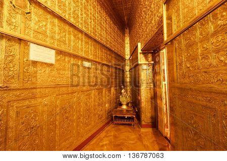 Rangoon (yangon), Myanmar - April 2016: The Golden Room At Botataung Paya Pagoda In Rangoon (yangon)