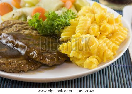 Salisbury Steak With Macaroni