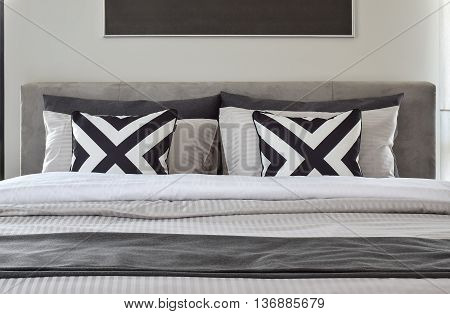 Graphic Patern Pillows With Modern Classic Style Bedding