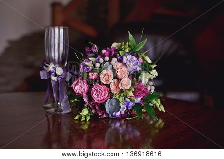 Beautful wedding flowers close - up .