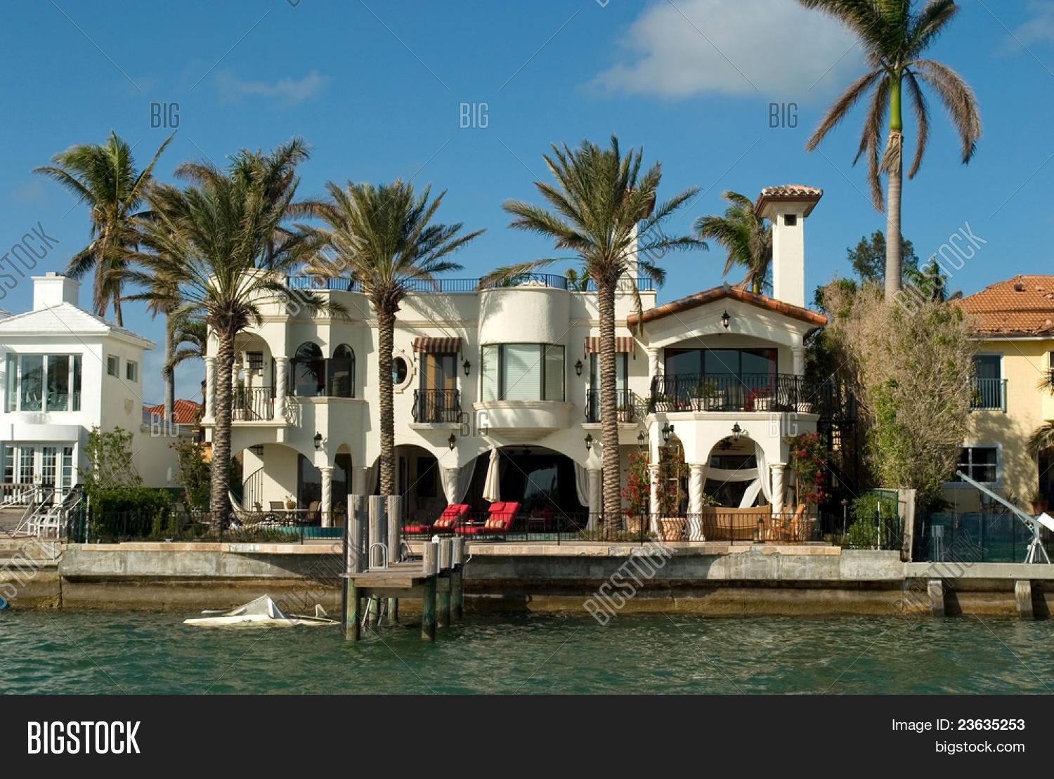 Expensive house by bay miami 39 s key image photo bigstock for Big houses in miami