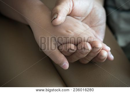 Hands Of A Little Asian Kids Holding Poor Elderly Grandfather Man That Love, Do Not Mind The Old Man