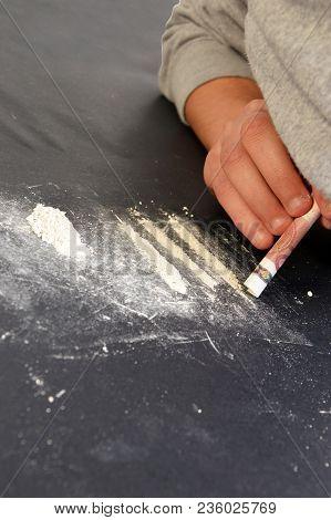 A Drug Addict Or A Drug Dealer Breaks Down Drug Doses 2