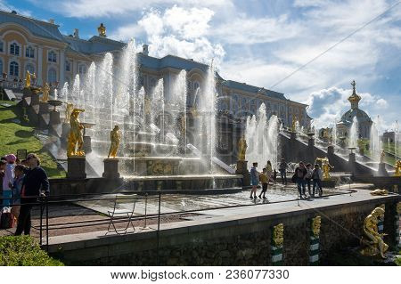 Saint- Petersburg, Russia - July 11, 2016: Grand  Palace And Fountains Of The Grand Cascade In  Sain