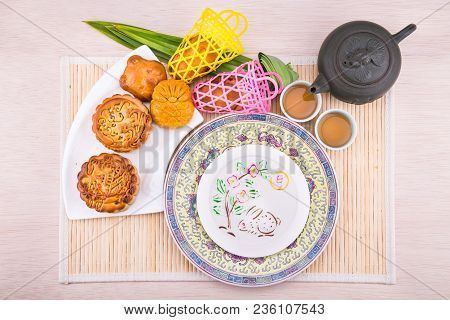 Variety Of Mooncakes For Chinese Mid-autumn Festival Celebration
