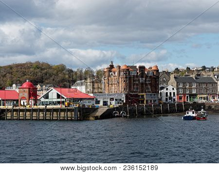 Oban,scotland-may 27: Oban Bay, Columba Hotel And Seafood Restaurant. Oban Is A Resort Town Within T