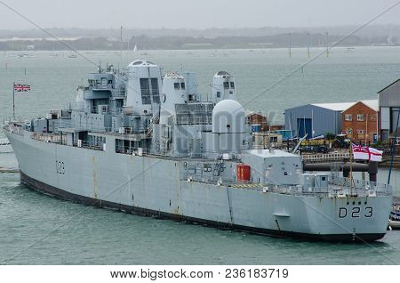 Portsmouth Uk 4 April 2018:hms Bristol Royal Navy Destrroyer D23 In Portsmouth Harbour