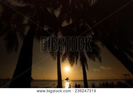 Sunset on the beachin Borakay, Philippine