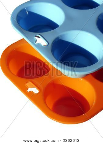 Blue And Orange Muffin Pans 02