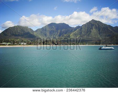 Hanalei Bay. Beautiful Imagery On The Island Of Kauai, Hawaii.
