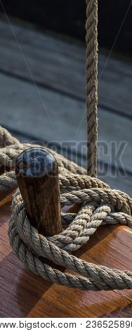 Belaying Pin - Elements Of The Construction Of A Sailing Ship